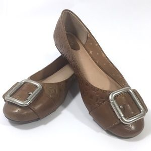 Fossil Leather Ballet Flats Silver Buckles Camel 9
